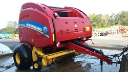 NEW HOLLAND RB560