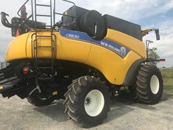NEW HOLLAND CR8.90