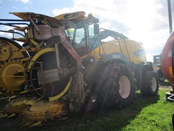 NEW HOLLAND FR700