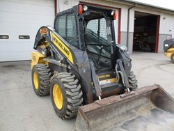NEW HOLLAND L225