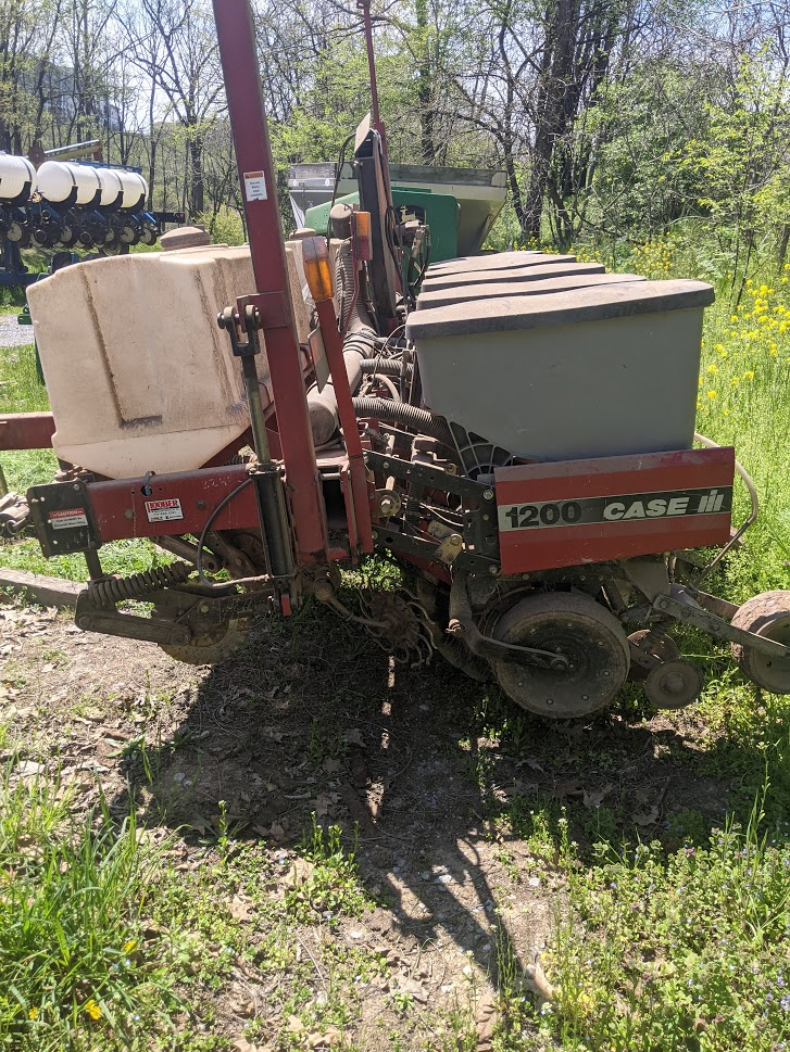 Used CASE-IH 1200 $18,900.00