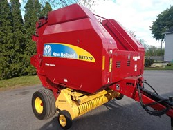 Used New Holland BR7070