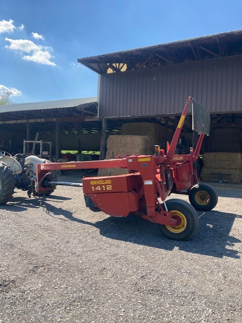 Used NEW HOLLAND 1412 $10,500.00