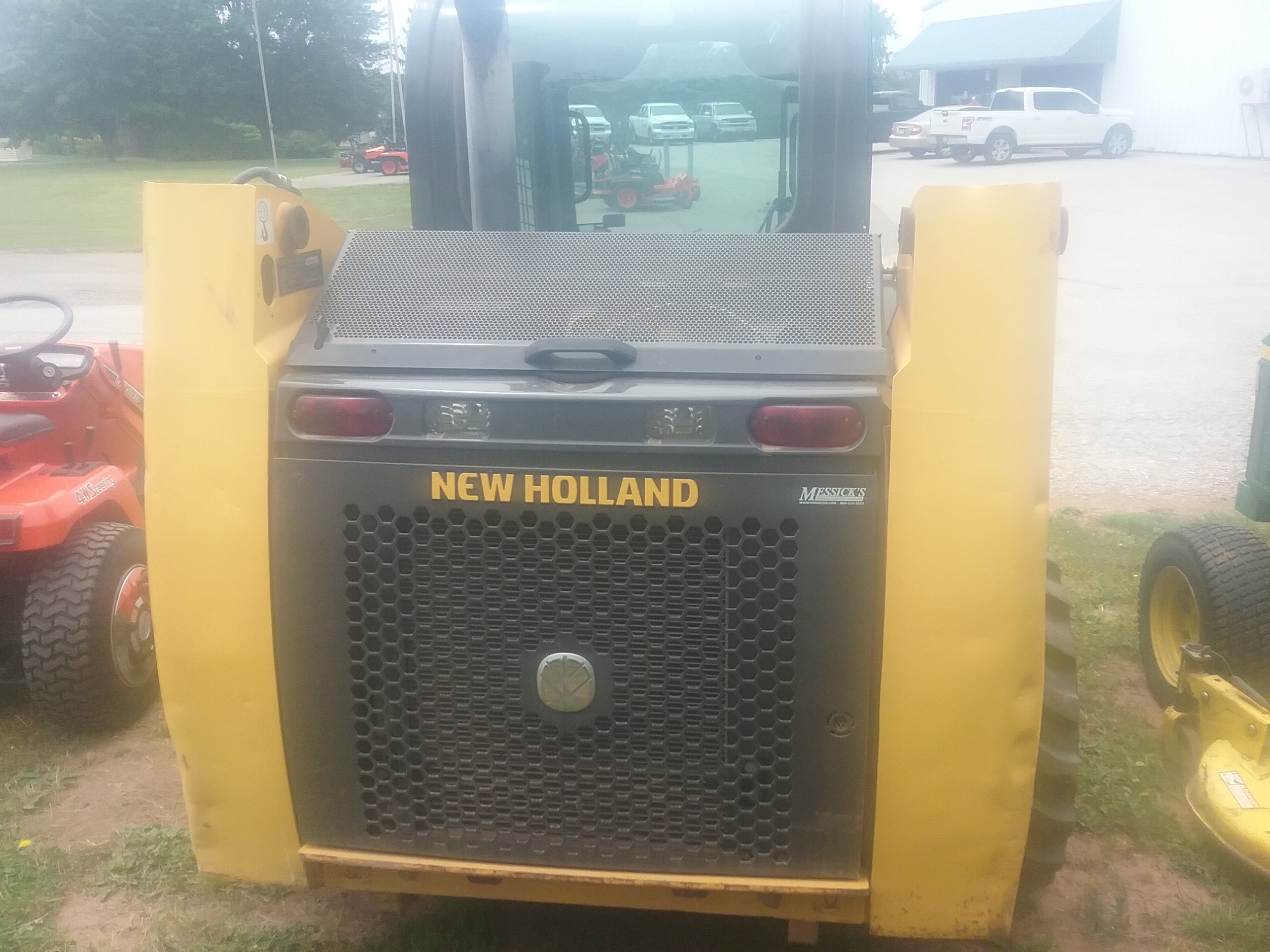 Used NEW HOLLAND L213 $19,500.00