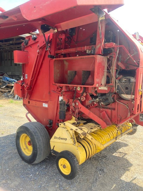 Used NEW HOLLAND BR740 $13,500.00