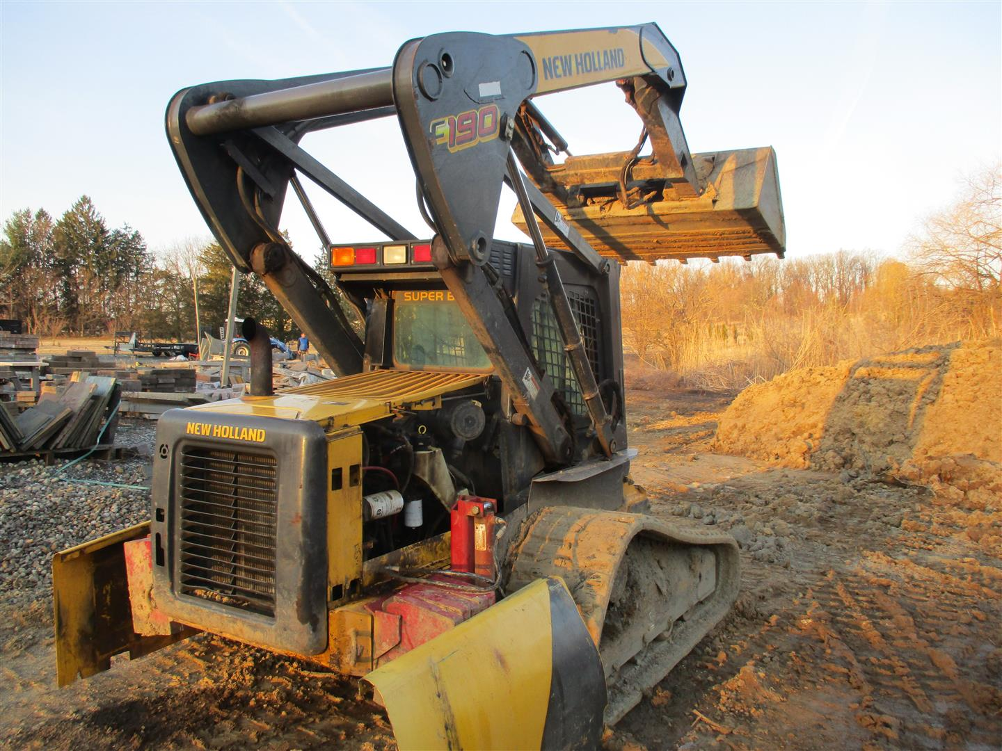 Used NEW HOLLAND C190 $26,900.00