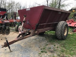 P & M Fabrications Spreader used picture