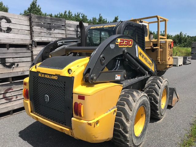 Used NEW HOLLAND L230 $31,800.00
