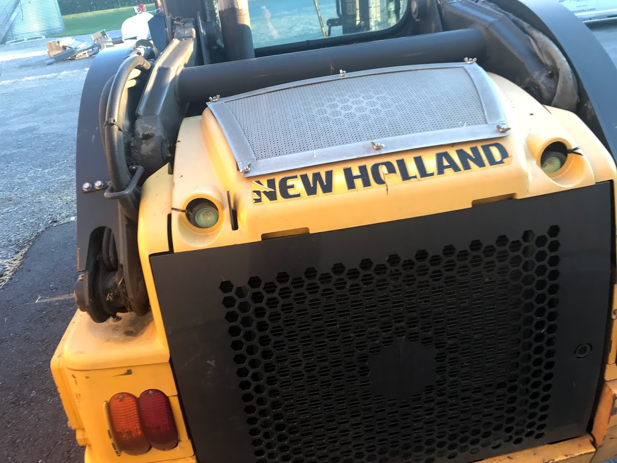 Used NEW HOLLAND L220 $21,900.00