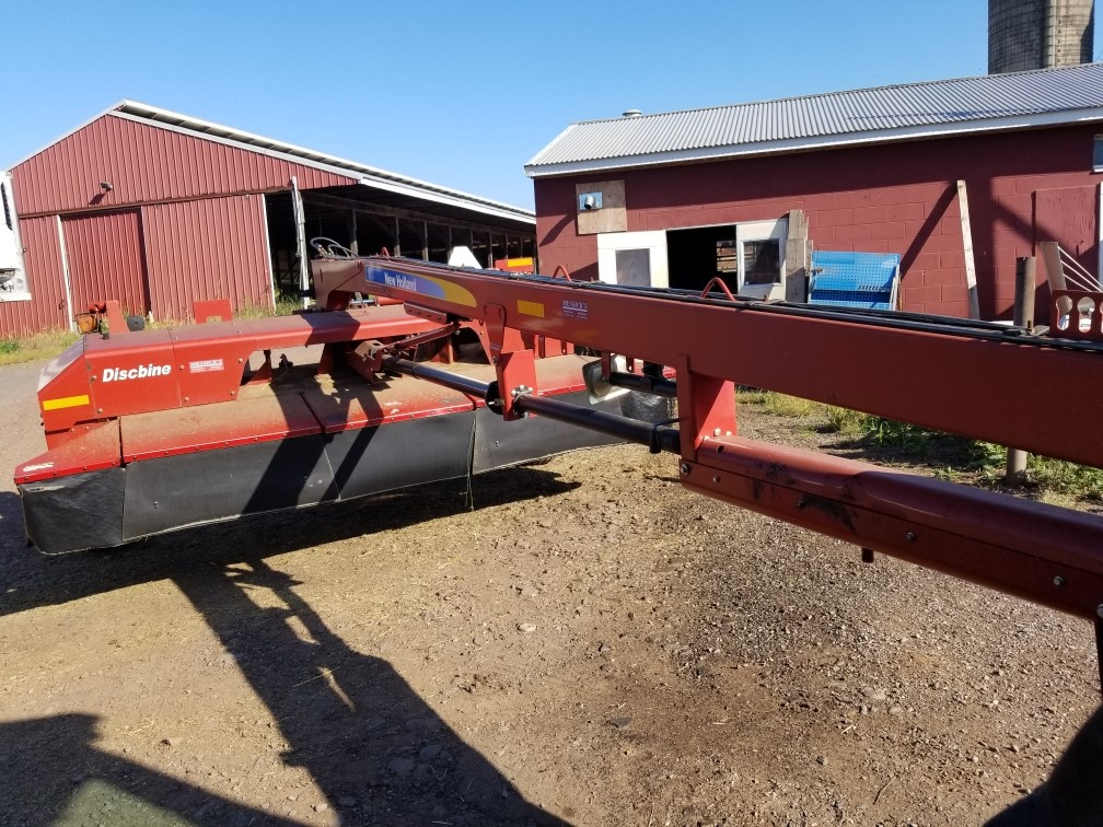 Used NEW HOLLAND H7450 $14,900.00