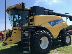 New Holland CR9060 used picture