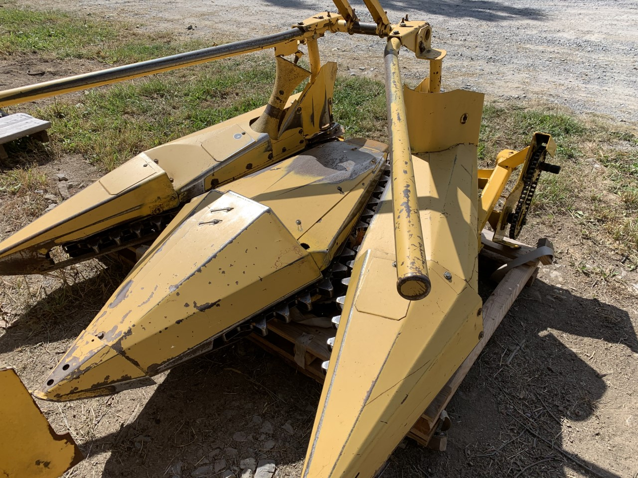 Used NEW HOLLAND 824 $2,995.00