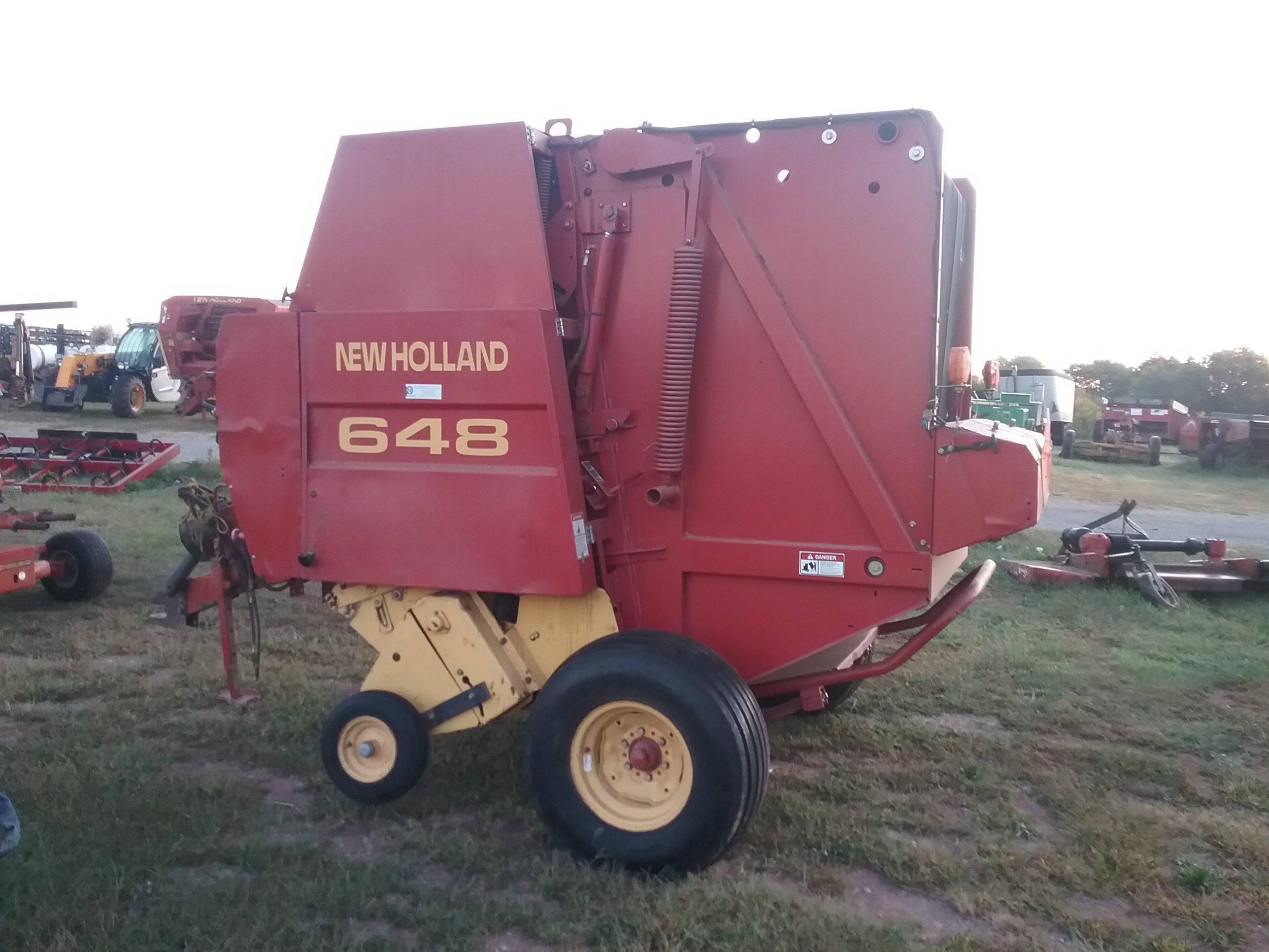 Used NEW HOLLAND 648 $8,950.00