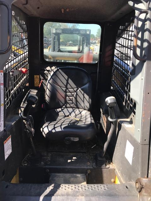 Used NEW HOLLAND L180 $16,900.00