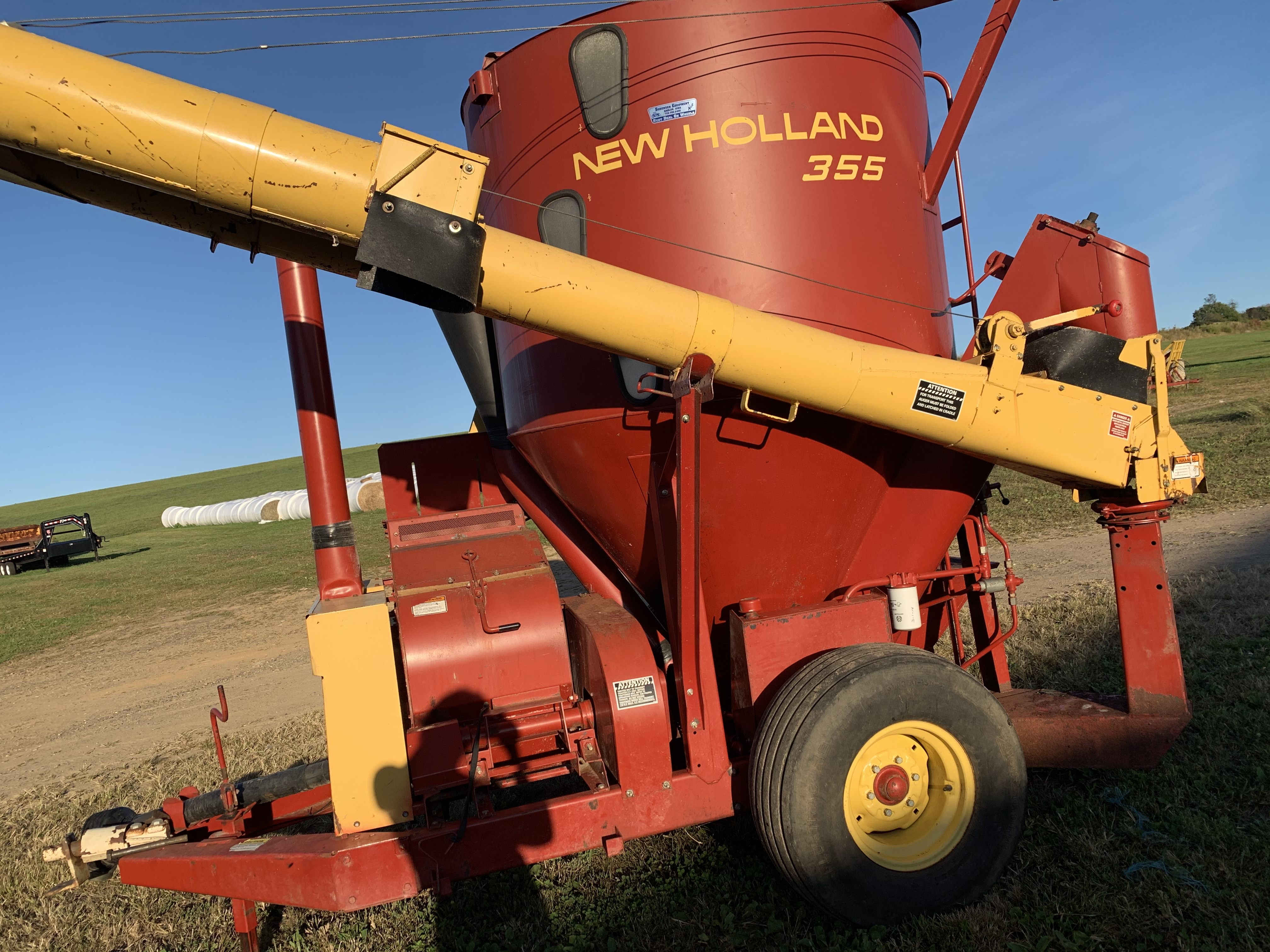 Used NEW HOLLAND 355 $16,900.00
