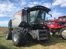 Gleaner S68 used picture
