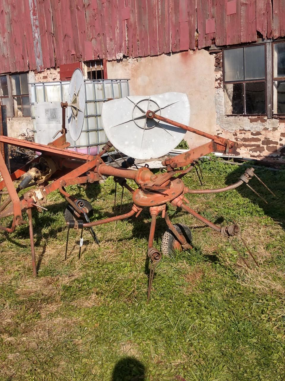 Used KUHN GRS24 $925.00
