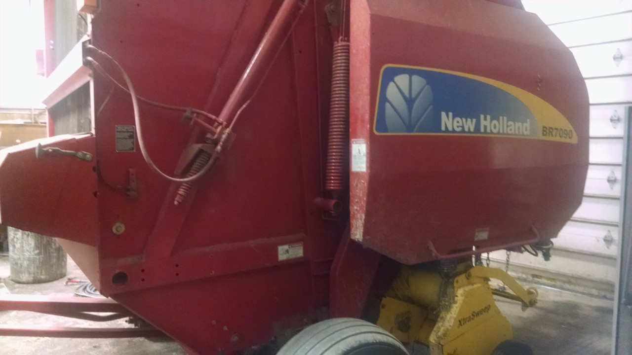 Used NEW HOLLAND BR7090 $14,900.00