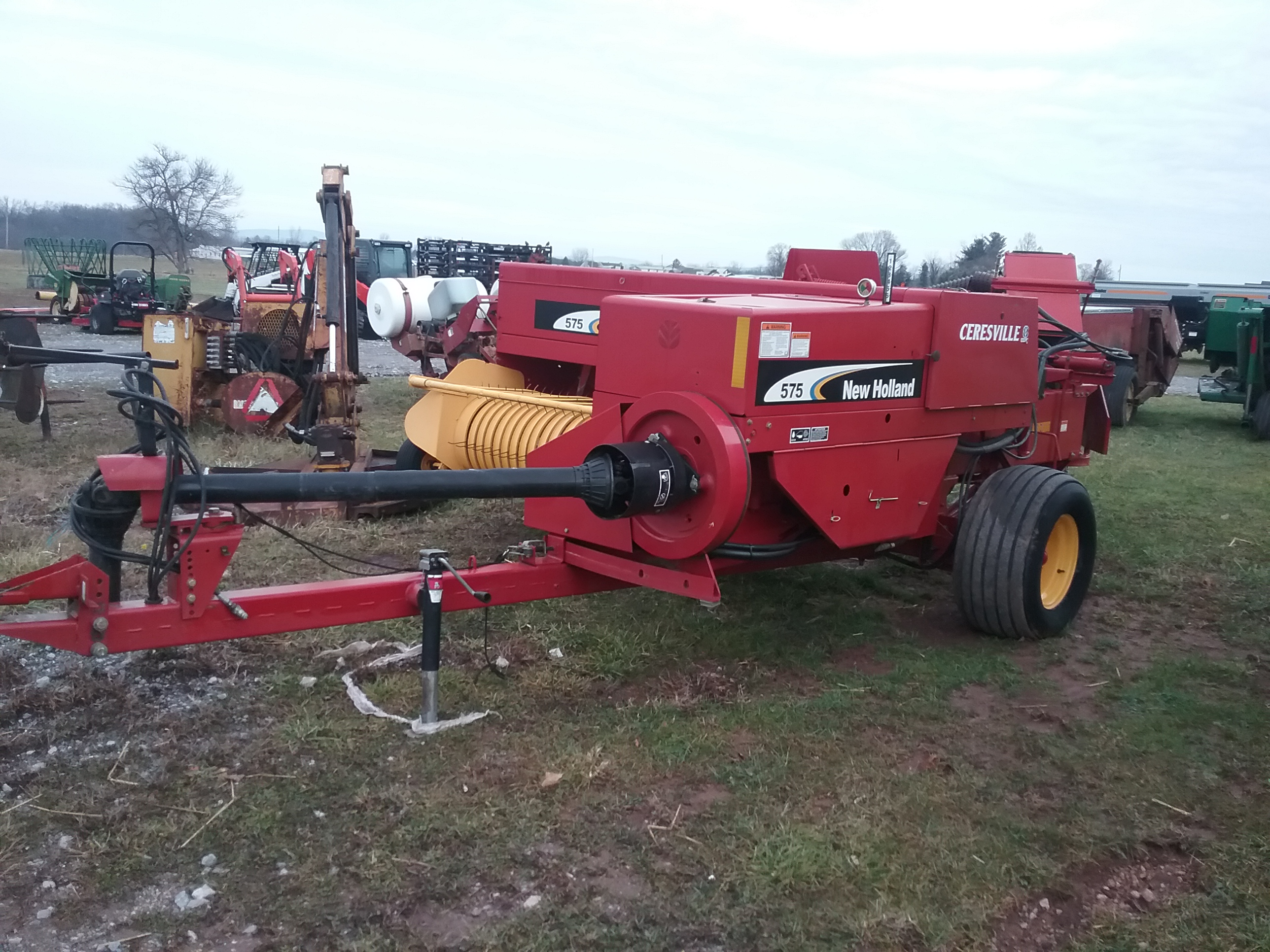 Used NEW HOLLAND 575 $12,900.00