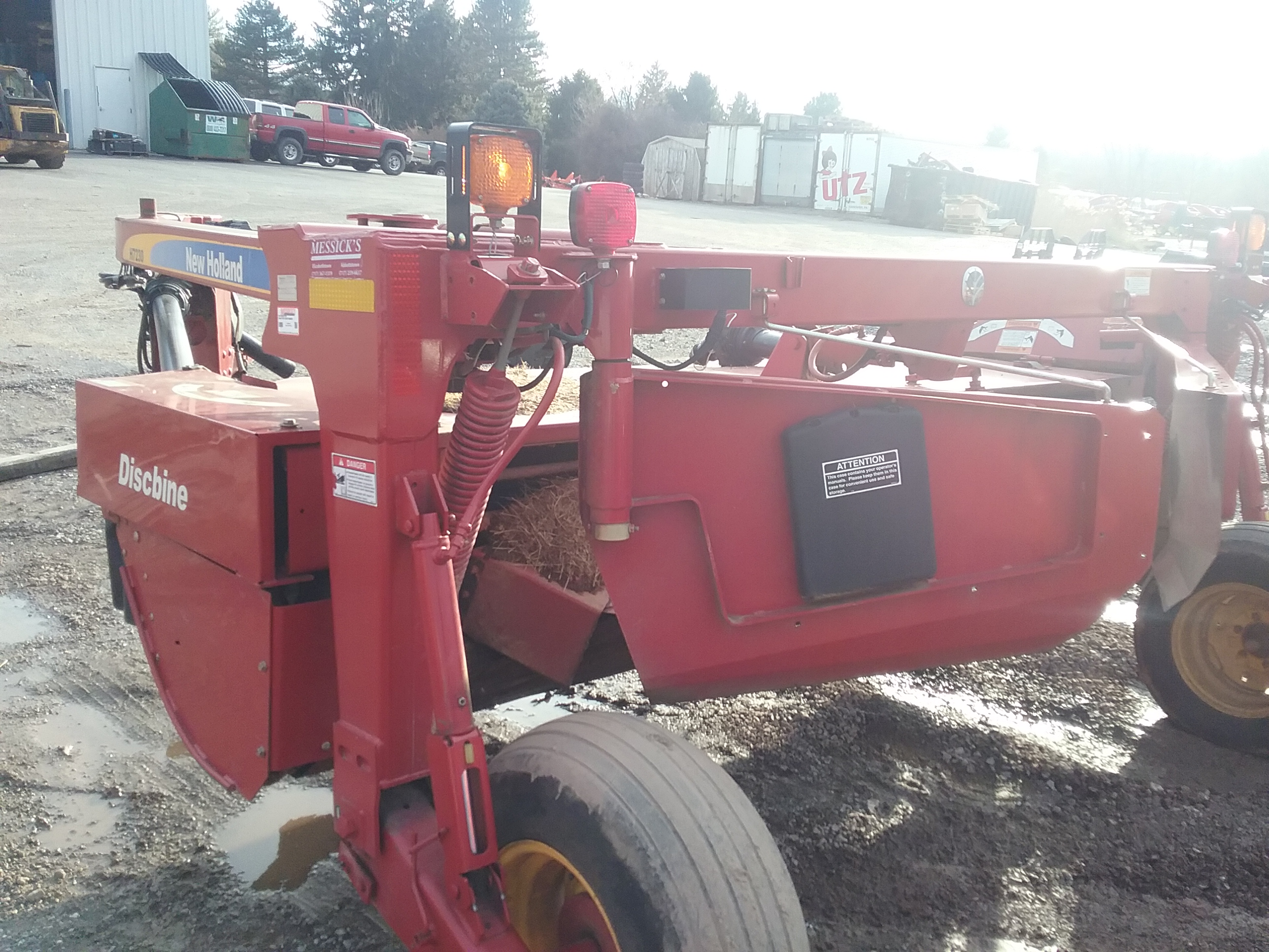 Used NEW HOLLAND H7230 $13,900.00
