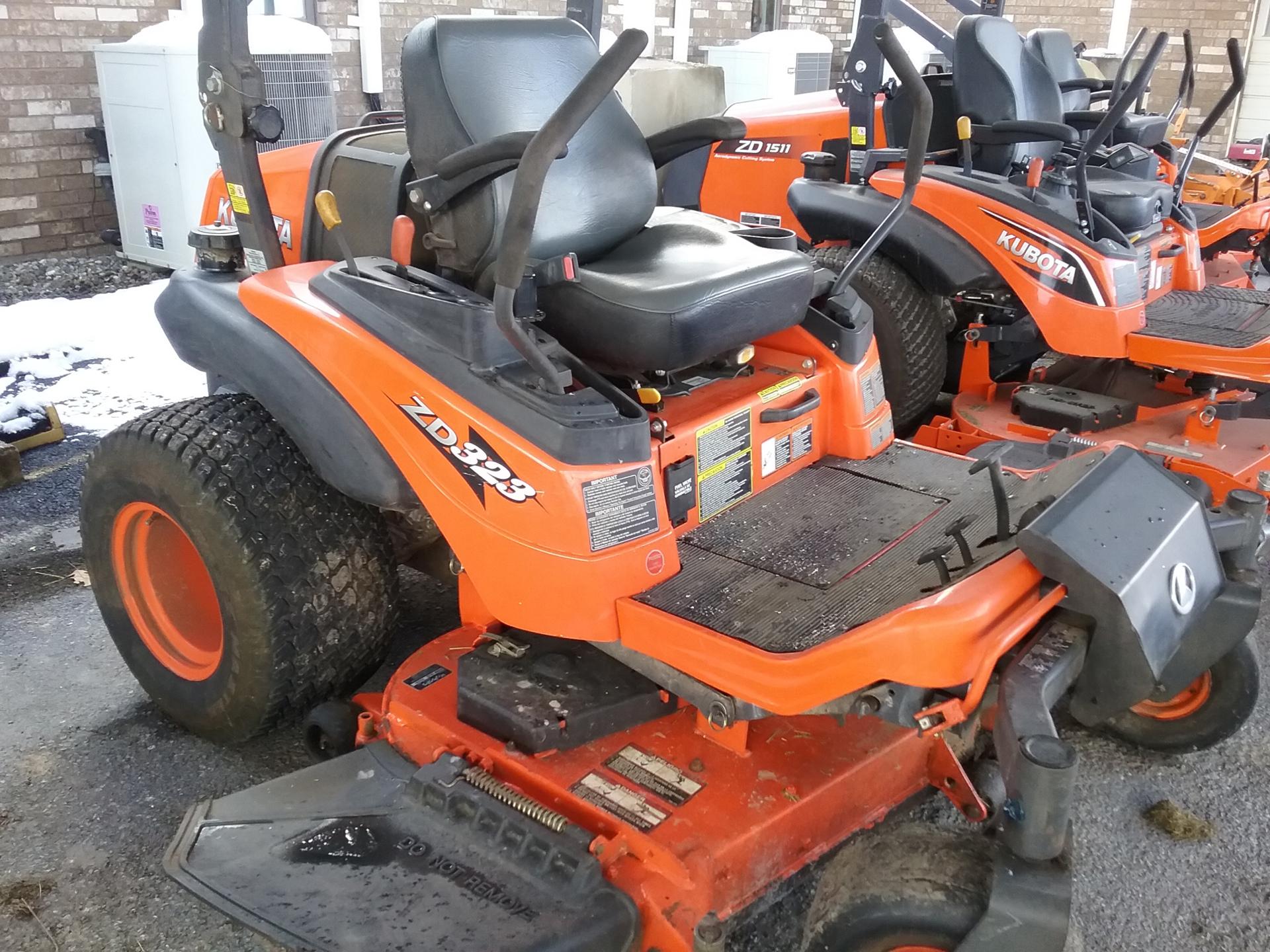 Used KUBOTA ZD323-60 $7,650.00