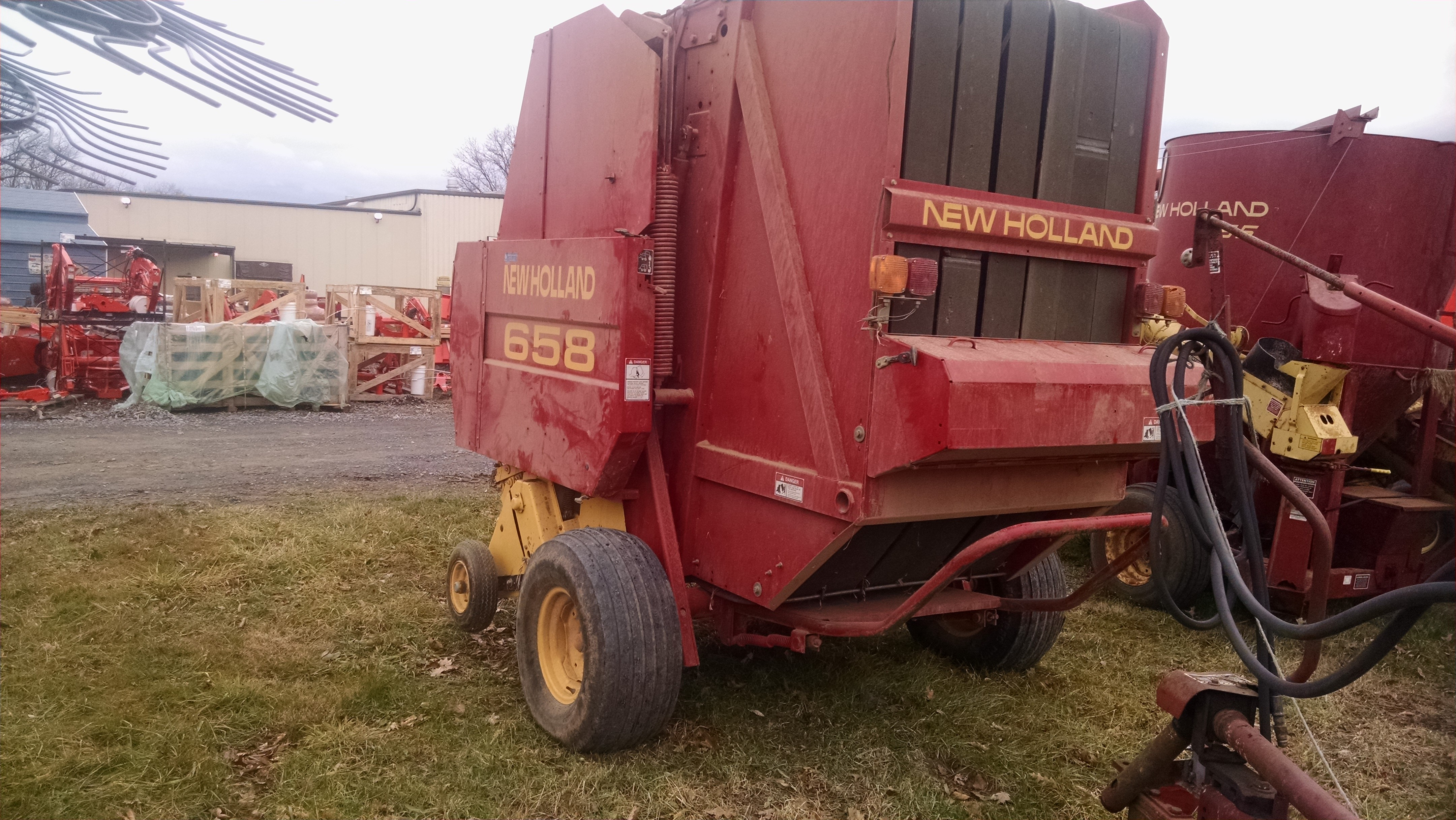 Used NEW HOLLAND 658 $9,750.00