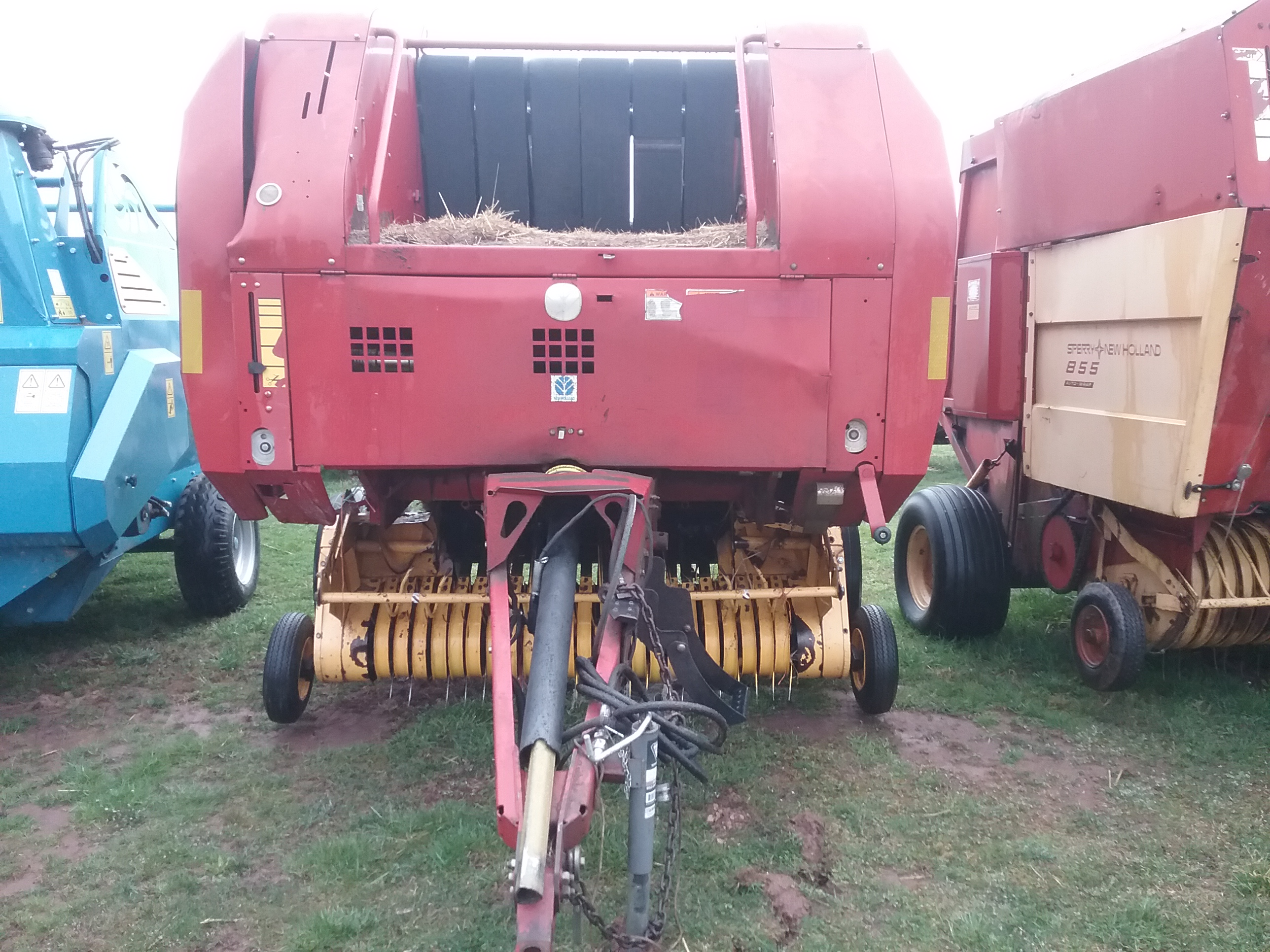 Used NEW HOLLAND BR740A $10,900.00