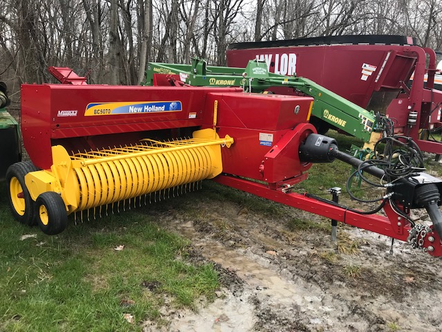 Used NEW HOLLAND BC5070 $27,400.00