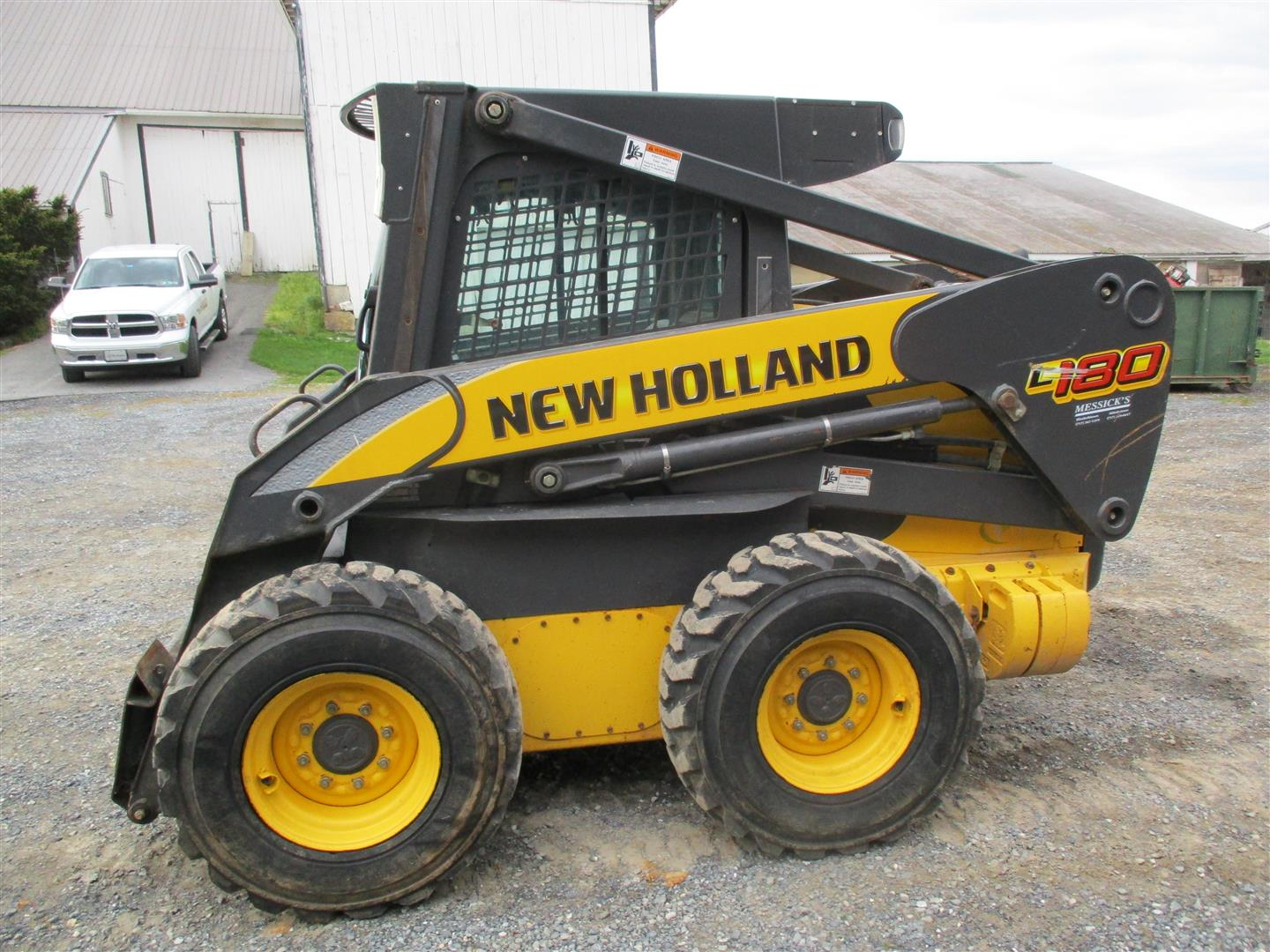 Used NEW HOLLAND L180 $25,900.00