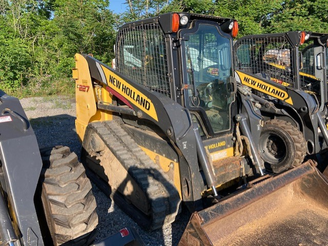 Used NEW HOLLAND C227 $28,900.00