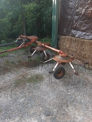 Used Kuhn 4 SPINNER